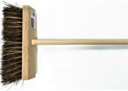 Home Hardware  Cane/Bass Flat Top Broom  VR9HHLFBHS