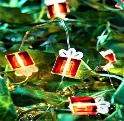 10 LED Battery Operated String Lights - Christmas Present  2522001